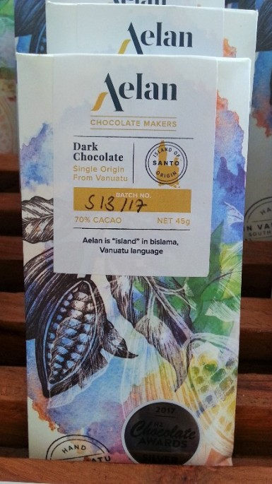 Buy Naturally Organic Dark Chocolate 70% Cacao from Santo Vanuatu Artisan Chocolate Makers
